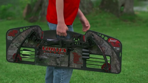 Barnett Vortex Compound Bow - image 9 from the video