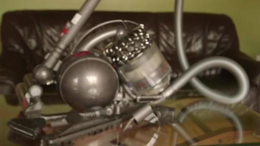 Dyson DC78 Turbinehead Vacuum- Benoit's Testimonial - image 10 from the video