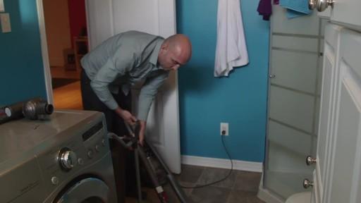 Dyson DC78 Turbinehead Vacuum- Benoit's Testimonial - image 2 from the video