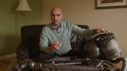 Dyson DC78 Turbinehead Vacuum- Benoit's Testimonial - image 5 from the video