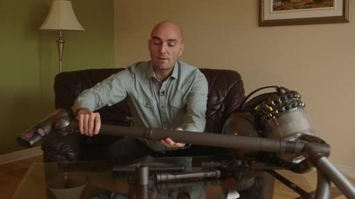 Dyson DC78 Turbinehead Vacuum- Benoit's Testimonial - image 8 from the video