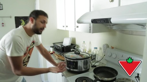 Hamilton Beach Slow Cooker - Remo's Testimonial - image 4 from the video