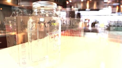 Bernardin Regular 1.9 L Jar - image 3 from the video