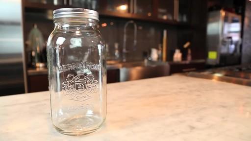 Bernardin Regular 1.9 L Jar - image 5 from the video