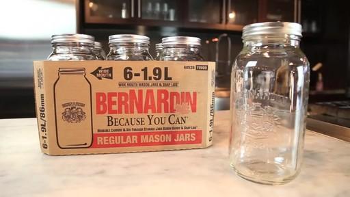 Bernardin Regular 1.9 L Jar - image 7 from the video