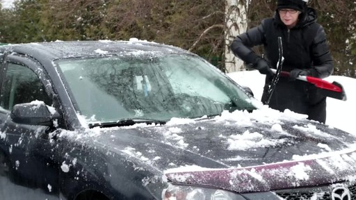 Garant Scratch-Free Snow Brush - Lise's Testimonial - image 7 from the video