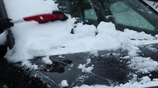Garant EVA Snowbrush- Lise Testimonial - image 9 from the video