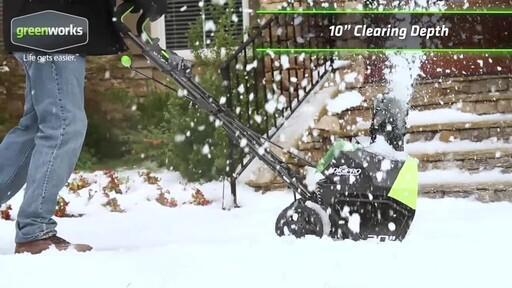 Greenworks 40V Brushless Snowthrower - image 2 from the video