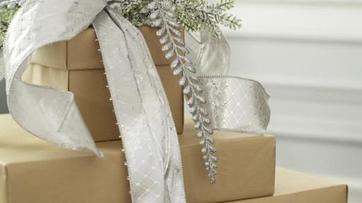 Create a decorative present trio - image 3 from the video