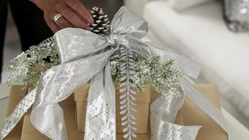 Create a decorative present trio - image 6 from the video
