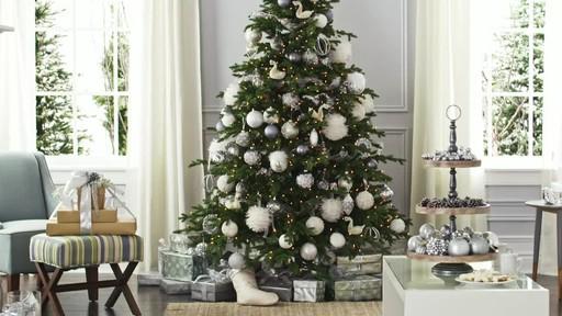 Create a decorative present trio - image 8 from the video