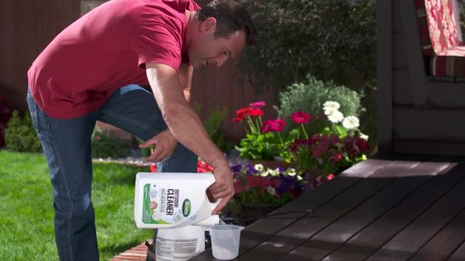 Scotts Concentrate Oxi Outdoor Cleaner     - image 4 from the video