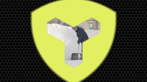 Yardworks Ergonomic Combo Snow Shovel, 19-in - image 10 from the video