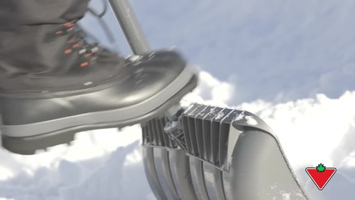 Yardworks Ergonomic Combo Snow Shovel, 19-in - image 2 from the video