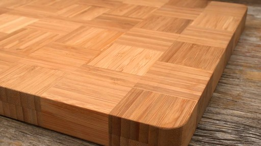 Sabatier Bamboo Cutting Board - image 8 from the video
