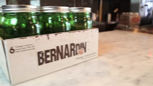 Bernardin Vintage Jars, 1-L, Green - image 8 from the video