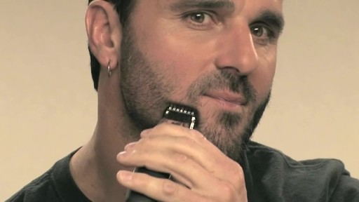 Wahl Beard Battery Trimmer - image 8 from the video
