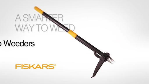 Fiskars Stand Up Weed Remover - image 10 from the video