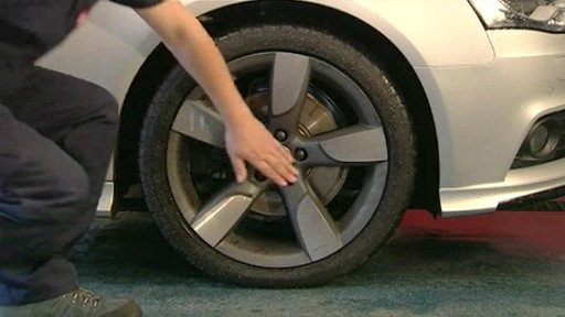 Autoglym Custom Wheel Cleaner - image 6 from the video