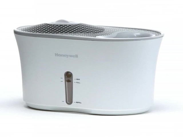 Honeywell Cool Mist Humidifier - image 10 from the video