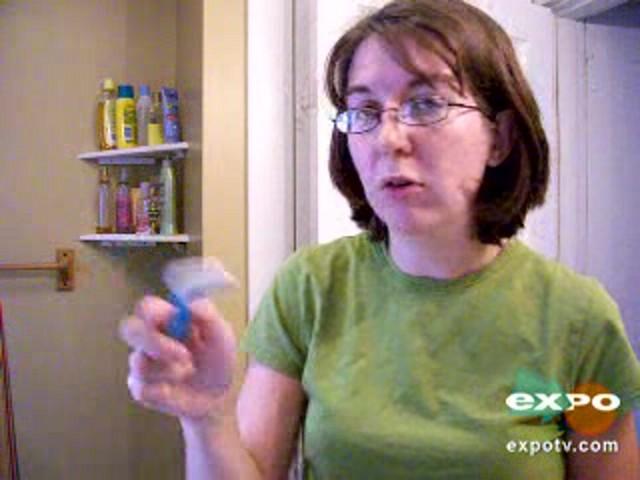 Gillette Venus Divine Razor for Women  - image 6 from the video