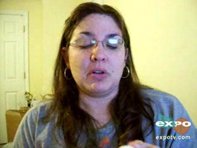 Vicks vaporub greaseless cream - image 3 from the video