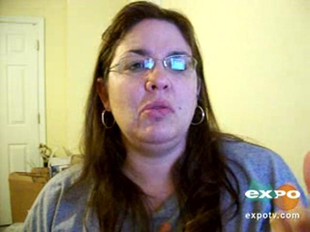 Vicks vaporub greaseless cream - image 4 from the video
