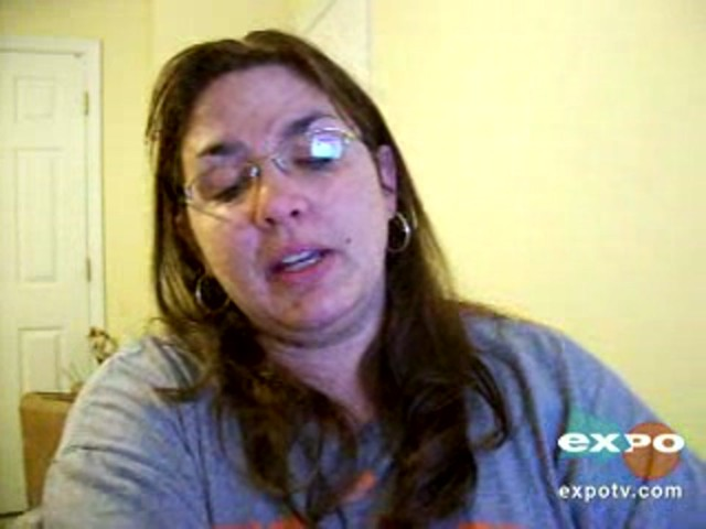 Vicks vaporub greaseless cream - image 6 from the video