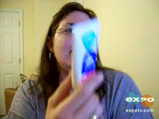 Vicks vaporub greaseless cream - image 7 from the video