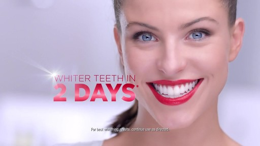 Colgate Optic White Toothbrush   Whitening Pen product | drugstore.com - image 7 from the video