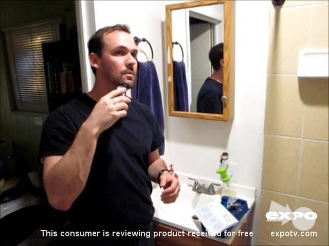 Philips Norelco QT4014/42 Beard & Stubble Trimmer review | drugstore.com - image 8 from the video