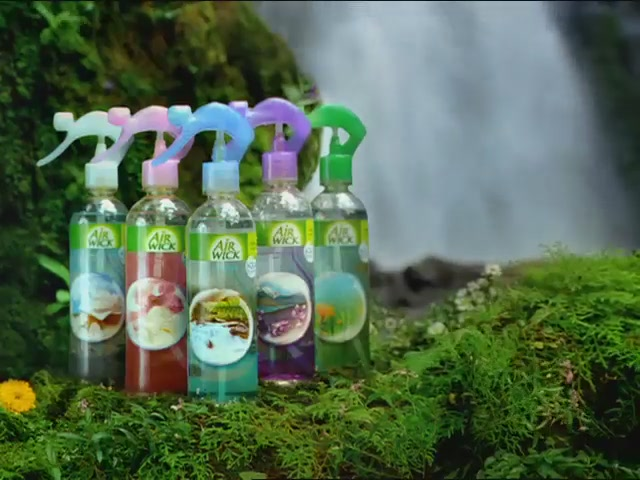 Air Wick Aqua Mist Air Freshener Spray - image 10 from the video