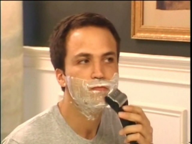 Emjoi Men's Rotoshave Electric Razor - image 3 from the video