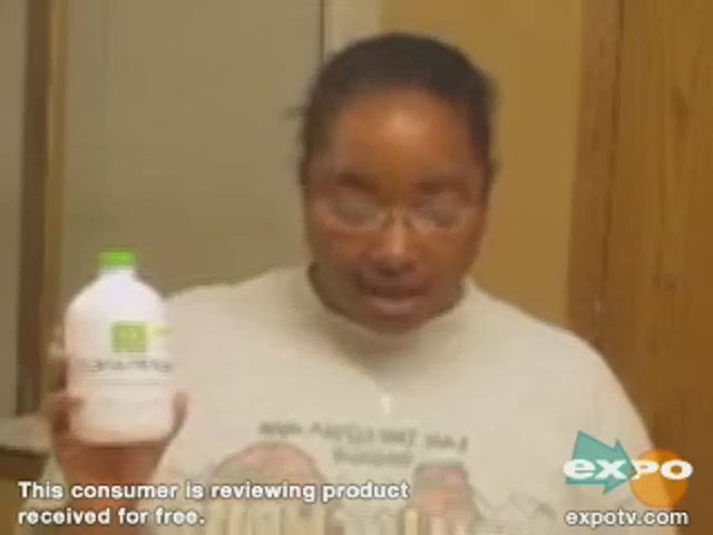 Rembrandt Deeply White Mouthwash - image 3 from the video