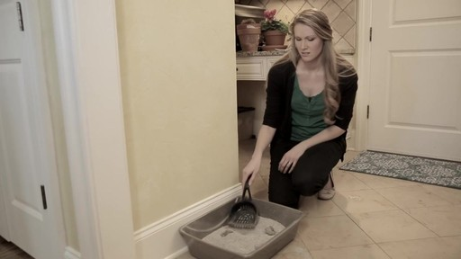ScoopFree Ultra Self-Cleaning Litter Box - image 1 from the video