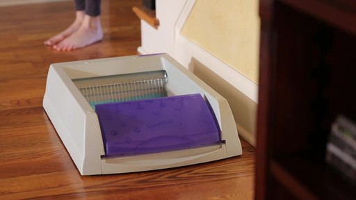 ScoopFree Ultra Self-Cleaning Litter Box - image 2 from the video