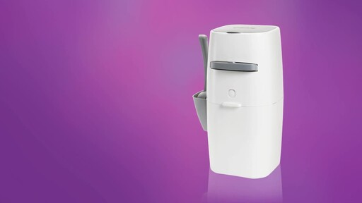 Litter Genie Plus Cat Litter Disposal System - image 7 from the video