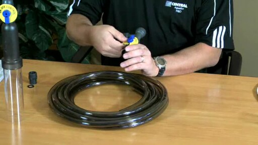 Aqueon Aquarium Water Changer - image 1 from the video