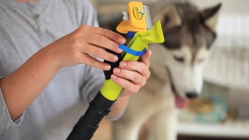 FURminator VAC ACCESSORY - image 3 from the video