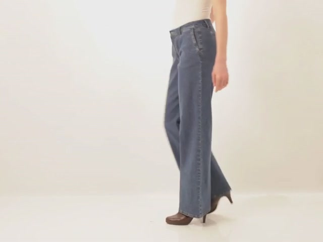 Wide leg stretch jeans - image 8 from the video