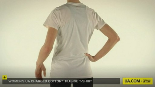 WOMEN'S UA CHARGED COTTON® PLUNGE T-SHIRT - image 10 from the video