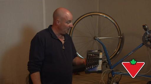 Ensemble de clés à tête articulée SAE MAXIMUM GearWrenchMD – Témoignage de Rob - image 1 from the video