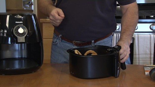 Friteuse Philips Airfryer – Témoignage de Patrick - image 3 from the video