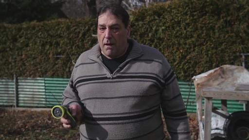 Pistolet d'arrosage en zinc à 8 réglages Yardworks – Témoignage de Ugo - image 3 from the video