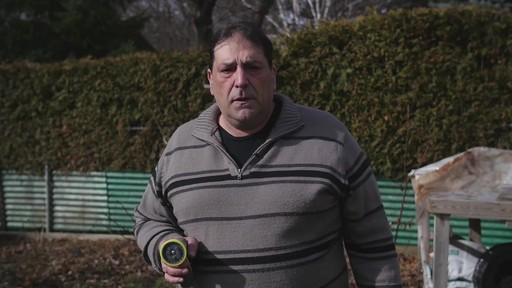 Pistolet d'arrosage en zinc à 8 réglages Yardworks – Témoignage de Ugo - image 5 from the video
