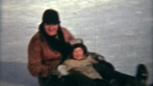 Nous jouons tous pour le Canada - image 2 from the video