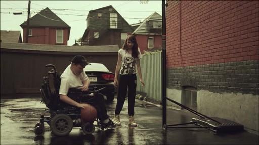 Nous jouons tous pour le Canada - image 7 from the video