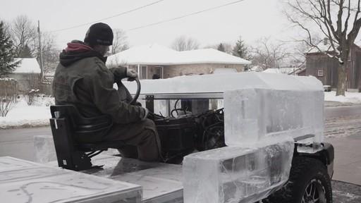 Premier essai du camion de glace partiellement construit avec la batterie MotoMaster Eliminator - image 4 from the video