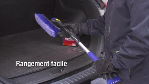Balai à neige télescopique à tête pivotante, 3 positions - image 8 from the video