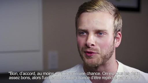 Un conseil d'ami  - Dan Watt (Nous jouons tous pour le Canada) - image 4 from the video